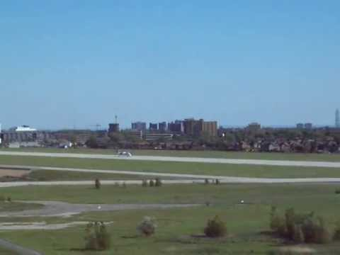 WestJet Q400 Takes Off From Downsview Airport