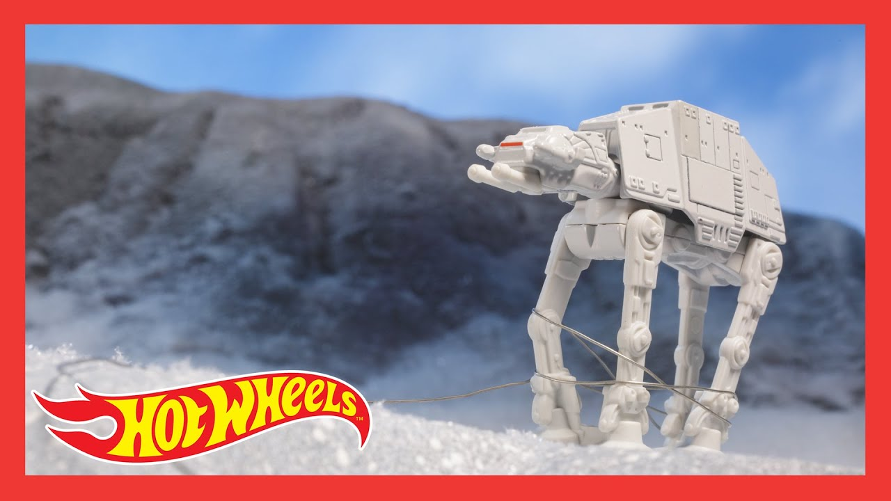 "STAR WARS™ Hot Wheels® Starships™ in ""FOLLOW THE MILLENNIUM FALCON"" 