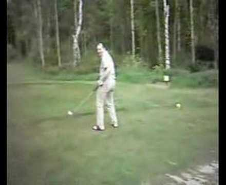 An Amateur Golf Swing
