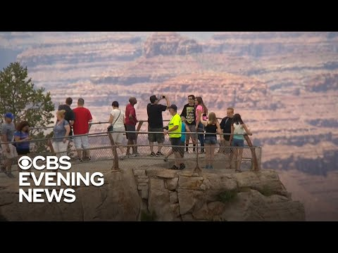 grand-canyon-tourist-falls-to-his-death-while-taking-photos