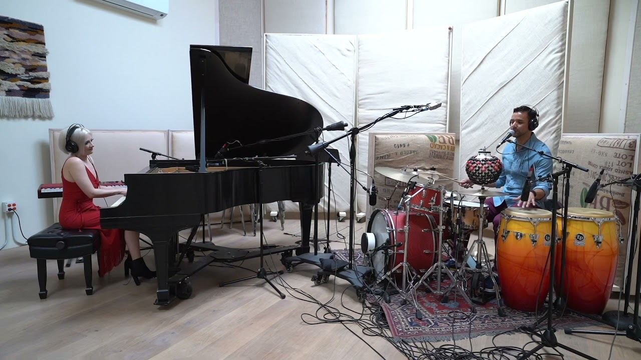 """Canto A Las Estrellas"" Inti-Illimani — Jacquelyn Schreiber and Christian Moraga Duo"