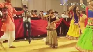 Cut 🤷Girl dance garba on char char bangdi wali gadi