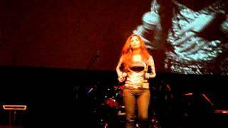 Video Shreya Ghoshal - Live in Singapore - Dola Re 1 download MP3, 3GP, MP4, WEBM, AVI, FLV Juli 2018