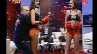 Repeat youtube video Asi somos : Mey y Andrea nos enseñan tecnicas de defensa personal