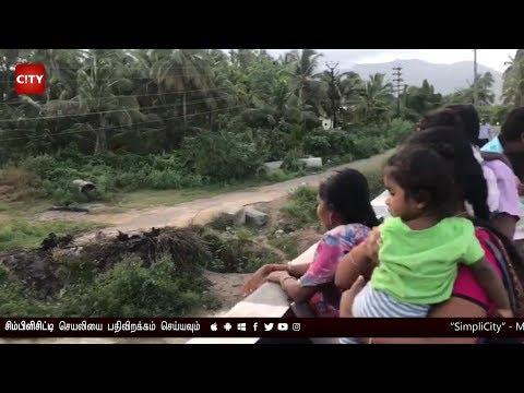 Public enjoy the arrival of Noyyal