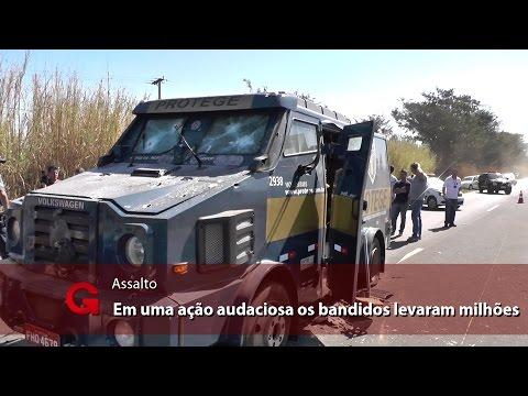 Quadrilha assalta carro-forte e ainda liberta 37 presos