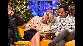 Gillian Anderson & Rob Lowe eating a sausage on Jonathan Ross show