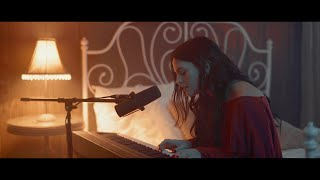 Tayler Buono - Dangerous (bedroom session)