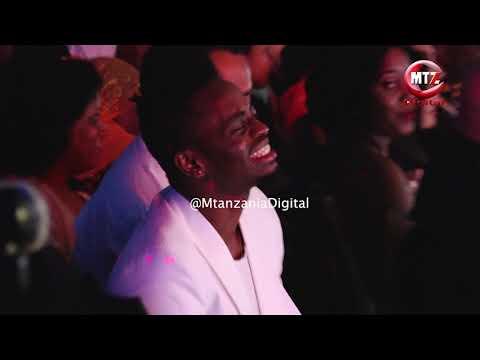 Hamisa Mobetto ampamba Diamond Platnumz katika tuzo za #SZIFF thumbnail