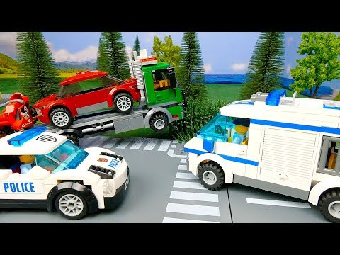 LEGO Police Car сhase .  Policemen Catch The Robber . Kids Toys Cartoon