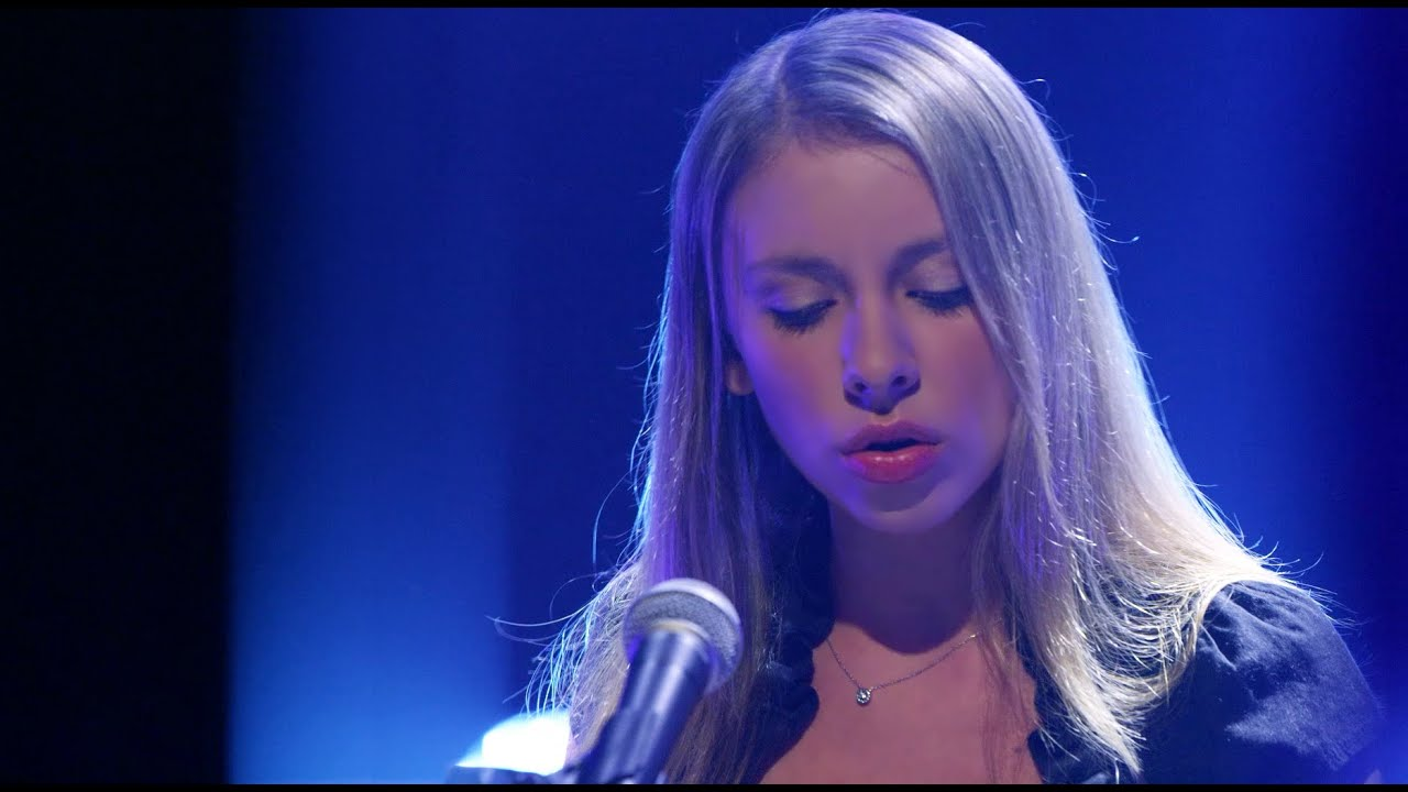anna-graceman-living-in-denial-live-at-youtube-space-la-anna-graceman