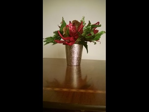(Easy) How to make a  Christmas Flower Arrangements