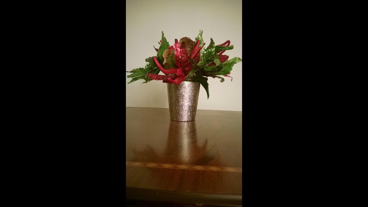 easy how to make a christmas flower arrangements