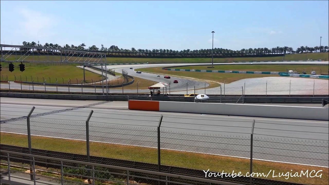 Ferrari Racing Days 2014 - Powerslide Compilation - YouTube
