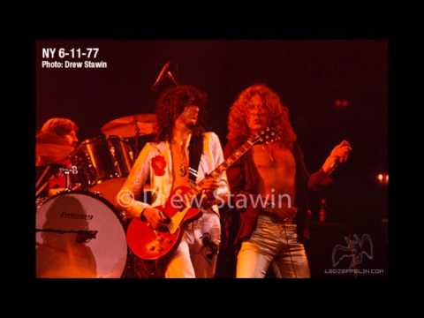 08. The Battle Of Evermore - Led Zeppelin [1977-06-11 - Live at New York]