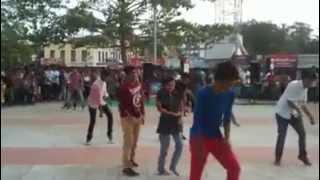 flash mob by srkr students at mulitiplex of bhimavaram