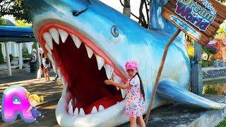 Anna play on the Amusement park in Bangkok