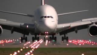 Pouso e Decolagens um Dos Maiores Aviões do Mundo