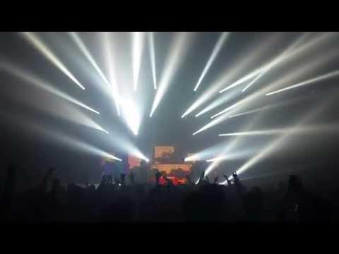 Pretty Lights - Finally Moving - Mumbai, India 4.4.15