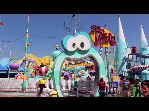 Super silly fun land despicable me play area at for Super studio