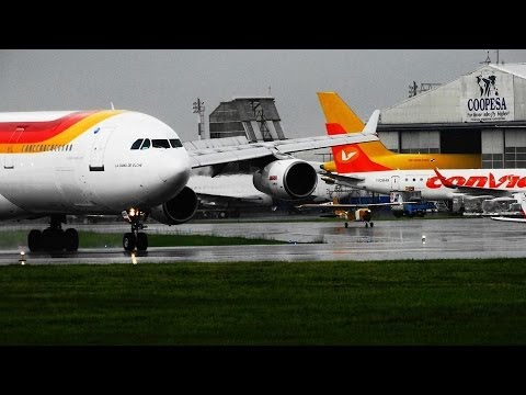 IBERIA A340-300 .Despegue pista 25, aeropuerto Int Juan Santamaría MROC.