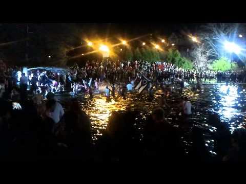 Ohio State University - Mirror Lake Jump 2012 - HD