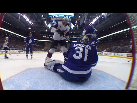 Maple Leafs' Andersen makes a sensational glove save on Coyotes' Dvorak