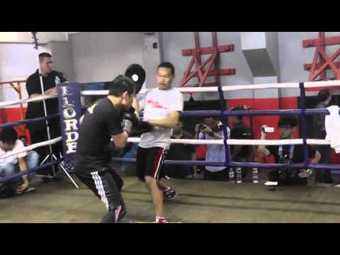 Nonito Donaire Jr. hits punch mitts in Manila