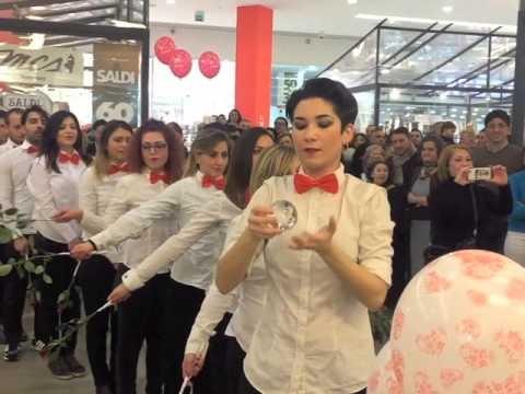 Flash mob proposta di Matrimonio  - Le porte di Napoli