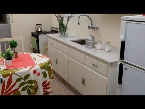 Instalacion de azulejo en pisos ba os y cocinas doovi for Renovar azulejo bano concreto cera