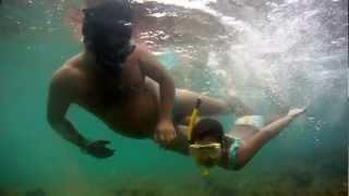 Treinamento expelindo agua do snorkel