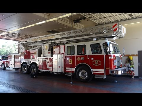 Phoenix Fire Department fire station 9 (E-One/ Bronto Ladder truck) [AZ | 2015]