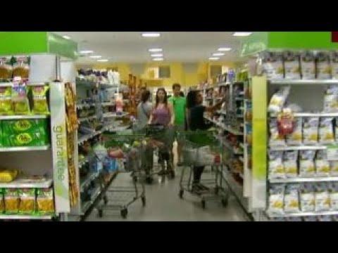 Miami Shores residents crowd supermarket before Irma