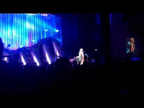Gravity - Sara Bareilles (Live)
