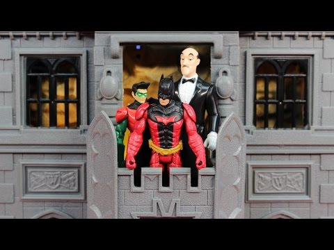 Batman & Robin Gotham City Darkstorm Batcave includes Alfred DC Superhero
