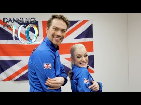 Olympic Ice Dancers Nick and Penny Rate Our Celebs' First Skates! | Dancing On Ice 2018