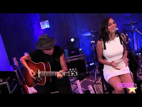 "Daya - ""Diamonds"" (Cover) Exclusive Perez Hilton Performance"