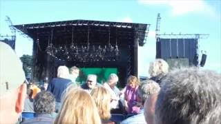 Elton John - Looking Up (Live at Longleat House) 12/06/16