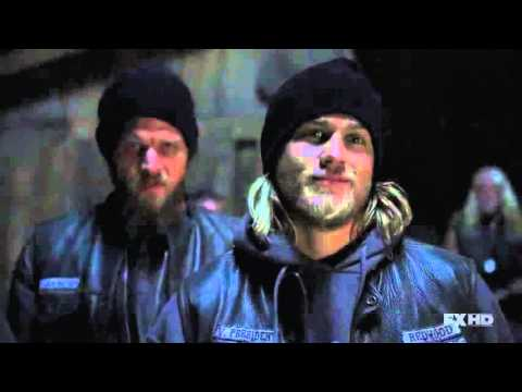 Sons of Anarchy S02E12 10vs10 Fight