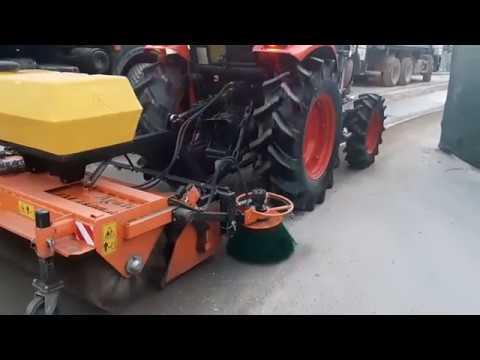Аренда трактора с щёткой