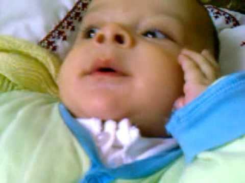 bébé drole .3gp - YouTube