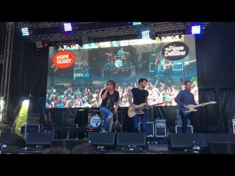 The Pigeon Detectives - I'm Not Sorry  (Live at Hope & Glory Festival 2017)