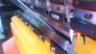 METALMAQ - Útiles para plegar Policarbonato de 5mm en Plegadora-Press brake tooling-Outils de Pliage