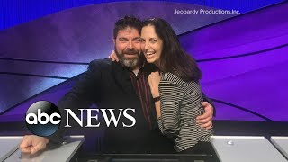 'Jeopardy' contestant proposes to girlfriend of 10 years during show