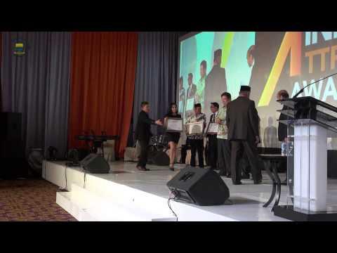 150613 Menerima Penghargaan Indonesia Attractiveness Index