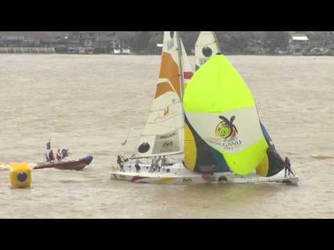 First Blood to Robertson over Williams - Finals of the Monsoon Cup 2013