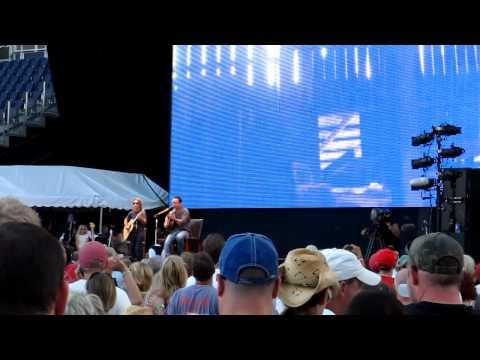 Dave Matthews & Tim Reynolds - Where Do You Go? - Farm Aid 2011 Kansas City, KS