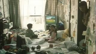 都内の2DKのアパートで大好きな母親と幸せに暮らす4人の兄妹。しかし...