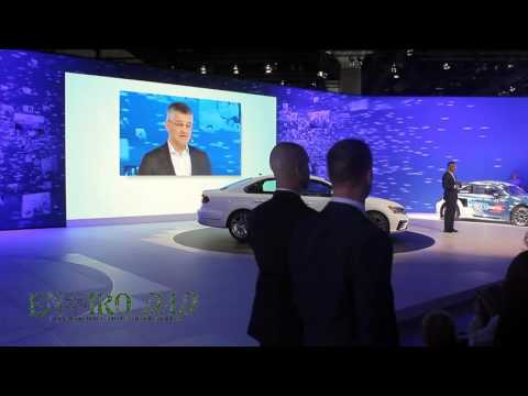Volkswagen America CEO Updates Media on TDI Issues at LA Auto Show
