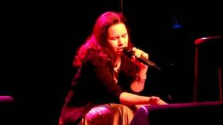 Watch Natalie Merchant Indian Names video